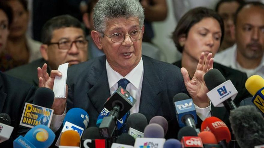 La oposición venezolana celebra el informe de la OEA que invoca la Carta Democrática
