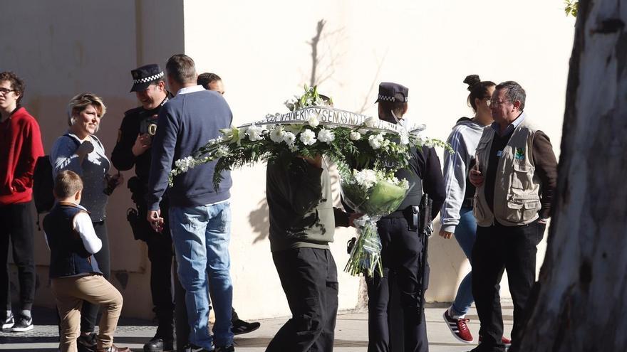 Concluye la autopsia de Julen y el cuerpo es trasladado hasta el tanatorio de la barriada malagueña de El Palo