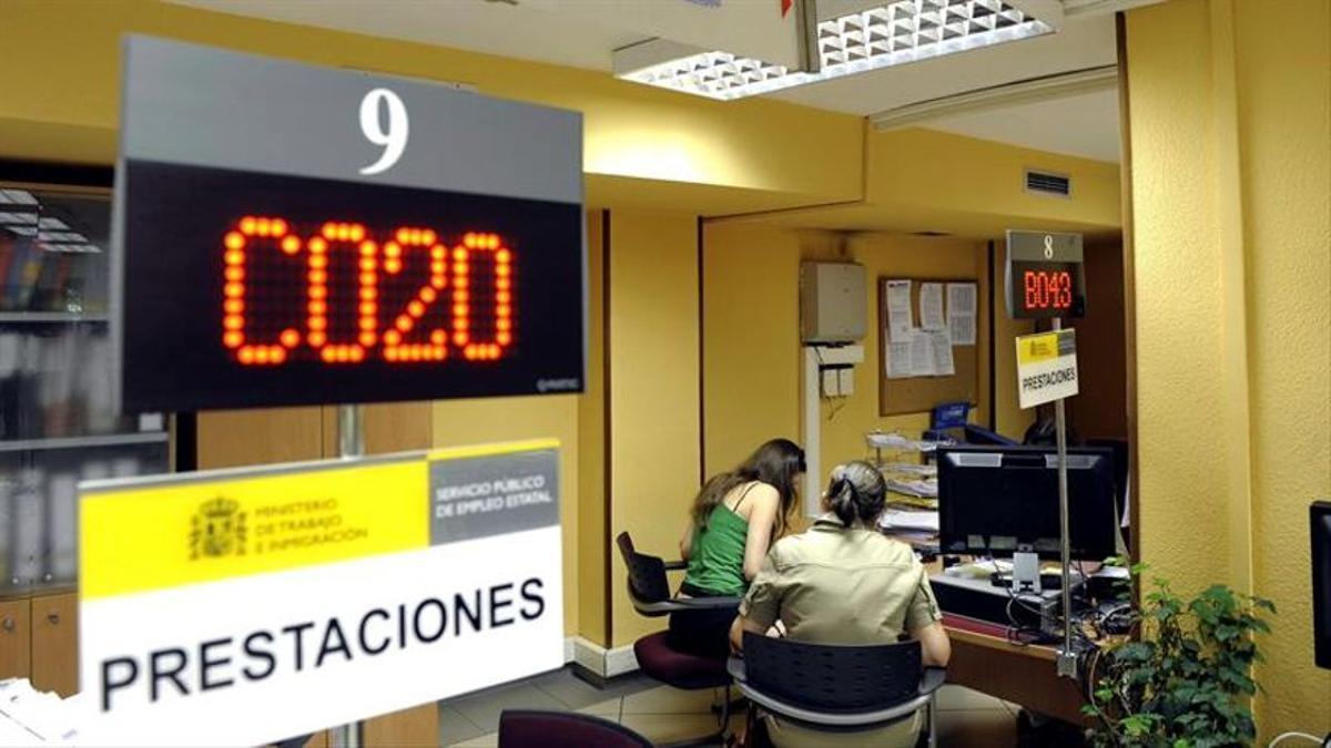 El número de desempleados se ha disparado en Aragón en un 30% con la crisis económica asociada a la sanitaria.