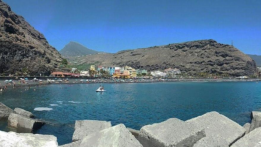 Panorámica de la playa del Puerto de Tazacorte. Foto: LOLI GASPAR.