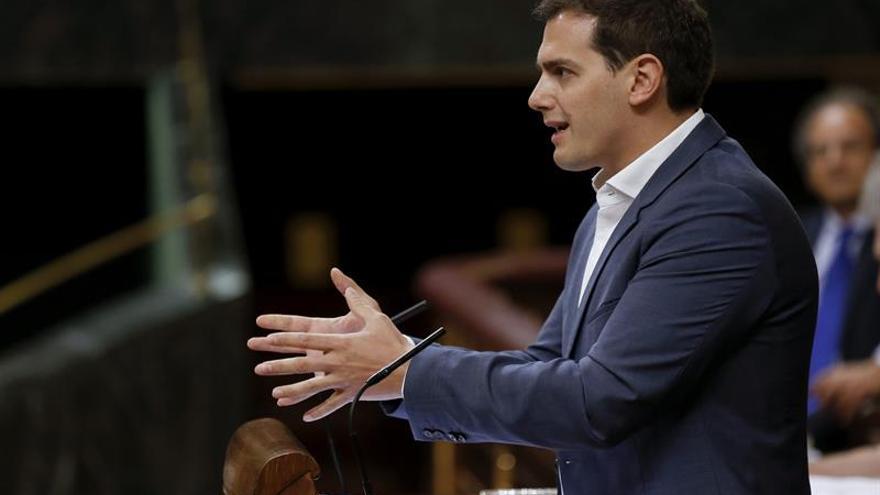 """Rivera critica que Iglesias """"se autoproclame salvador"""" con moción """"ficticia"""""""