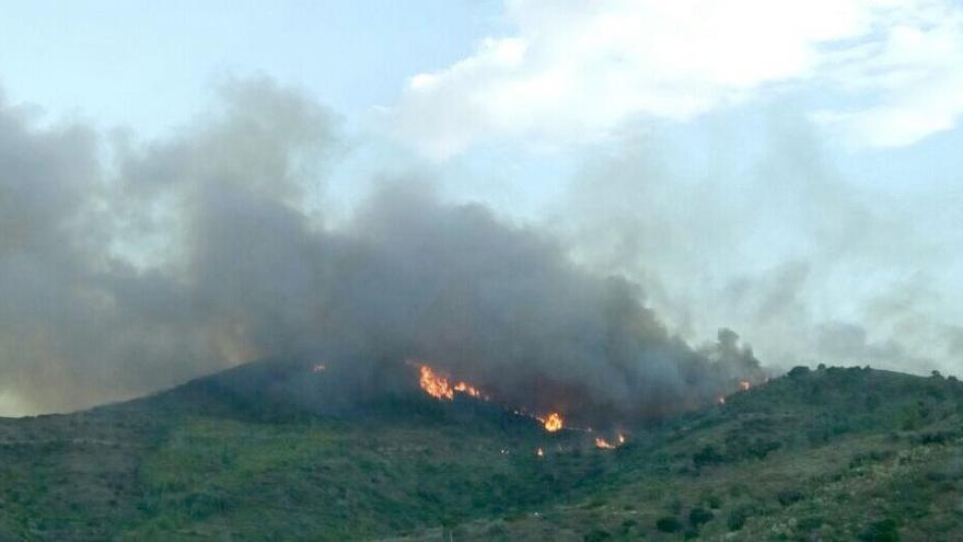 El incendio forestal de Gátova afecta a la Sierra Calderona