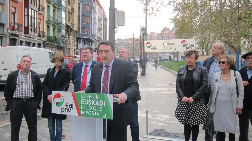 """PNV cree que las pensiones se """"pueden asegurar"""" gestionadas en Euskadi frente al """"riesgo de quiebra"""" en el Estado"""