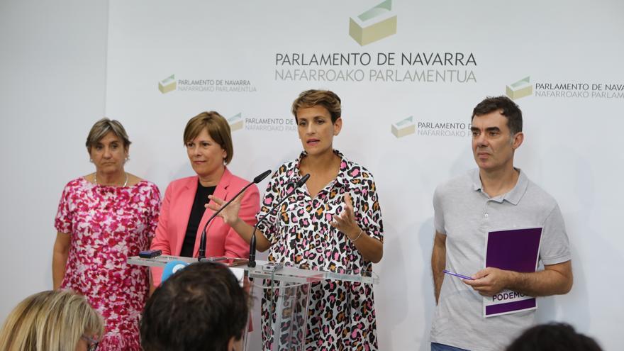 Maria Chivite anuncia un acuerdo con IU Navarra, Geroa Bai y Podemos Navarra en una rueda de prensa conjunta.