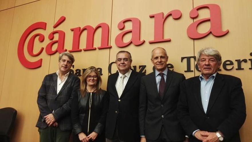 Modesto Campos, Ángeles Palmero, José Carlos Francisco, Santiago Sesé y José Luis García, en una foto de archivo