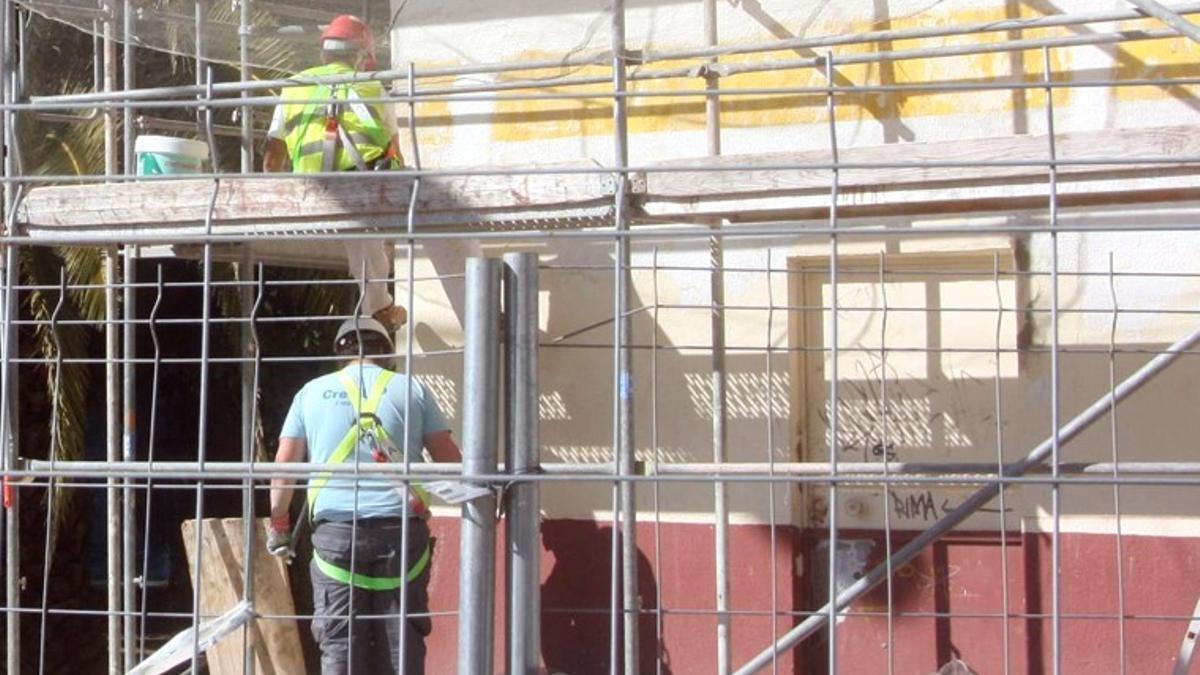 La Junta concede en Córdoba ayudas a 16 bloques de viviendas para rehabilitarlos.