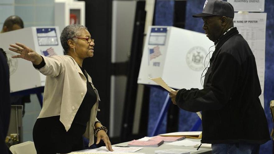 """El informe, titulado """"protegiendo la integridad electoral en la era digital"""", lanza varias recomendaciones para prevenir el descrédito de los procesos electorales."""