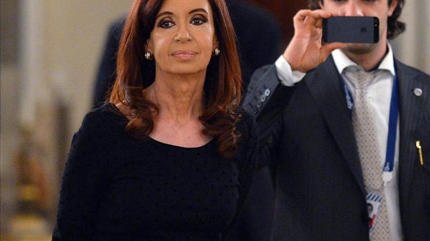 "La imagen de la presidenta argentina con ""leggins"" revoluciona Twitter"