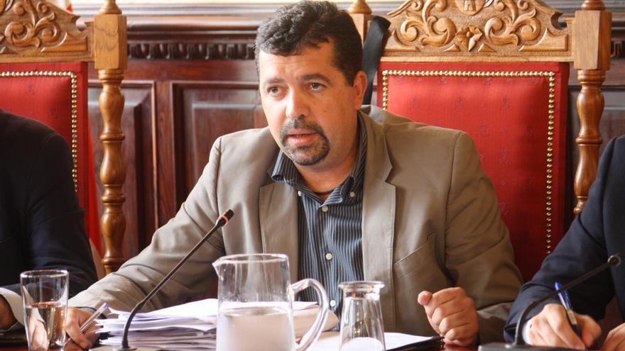 Juan José Cabrera quiere evitar la demolición de las casas de Mirca.