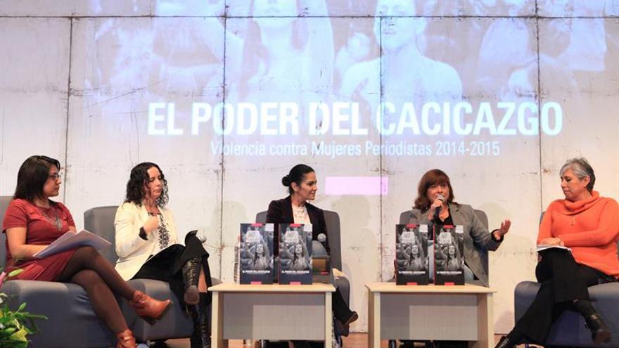 Agresiones a mujeres periodistas en México aumentaron un 70 %, señala informe