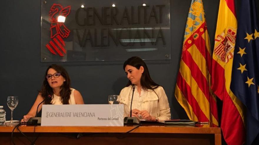 La vicepresidenta del Consell, Mónica Oltra, y la consellera de Sanidad, Carmen Montón