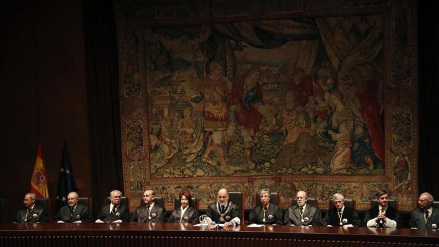 El Constitucional elige a su presidente, con González Rivas como favorito