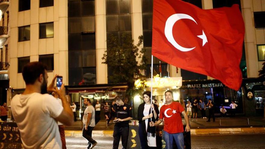 Sánchez expresa su preocupación por Turquía y en apoyo a las instituciones democráticas