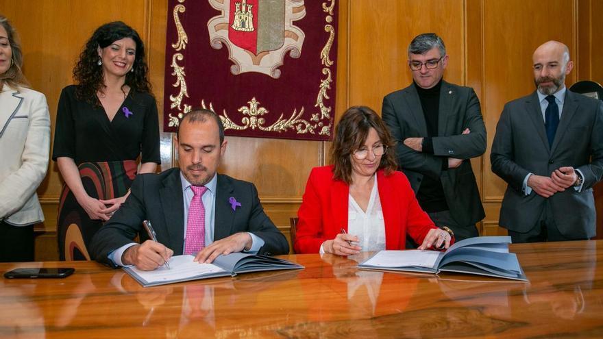 Firma del Pacto FOTO: JCCM