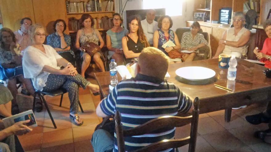 La casa del escritor Rafael Chirbes en Beniarbeig acoge un club de lectura