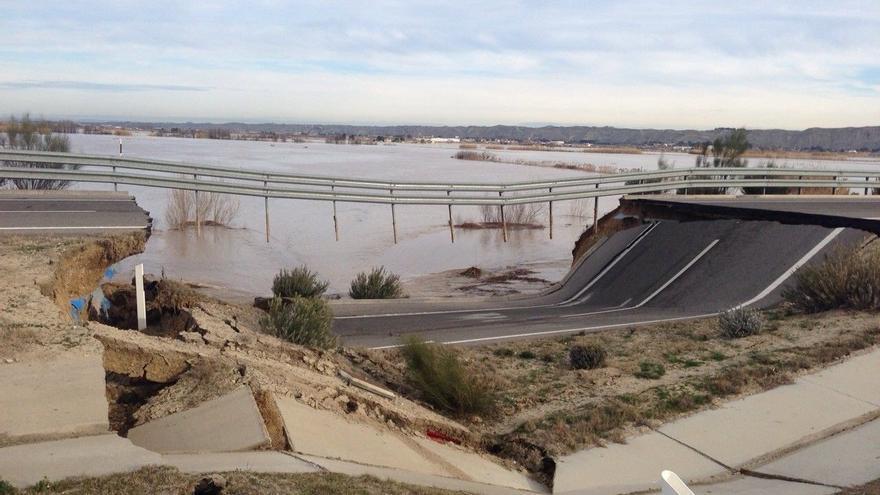 La ARA - 1 se derrumbó en la pasada crecida del Ebro. Foto: Gobierno de Aragón