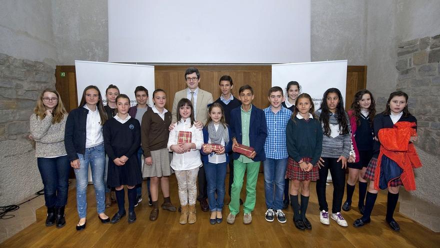 Las alumnas Delia Chueca y Carmen Goyena ganan el segundo concurso de lectura expresiva en público
