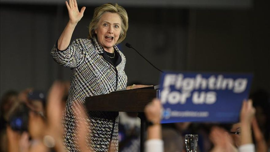 "Hillary Clinton aboga por ""vetar"" a algunos refugiados sirios en EE.UU."