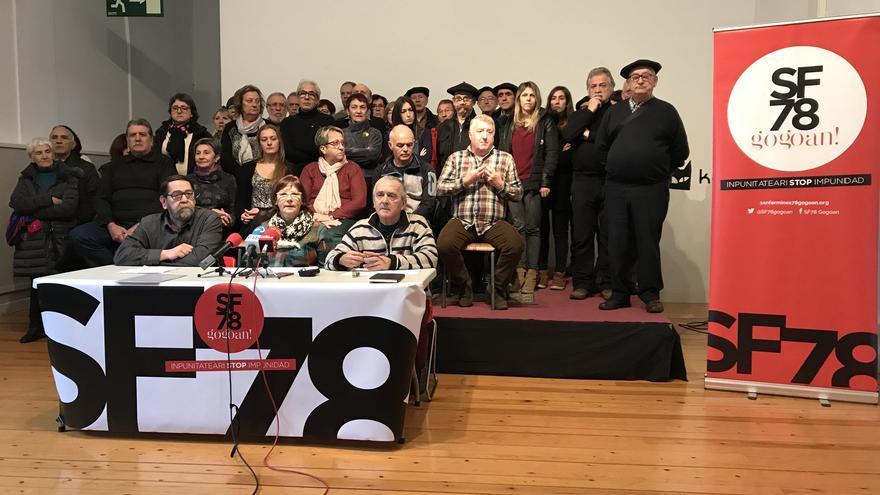 Rueda de prensa de la plataforma Sanfermines 78 Gogoan por la querella criminal contra el exministro Martín Villa.
