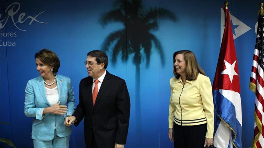 El canciller cubano recibe a congresistas de EE.UU. encabezados por líder demócrata
