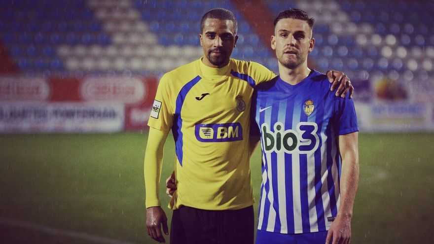 Thaylor, con la camiseta del Real Irún, durante un encuentro de la presente temporada
