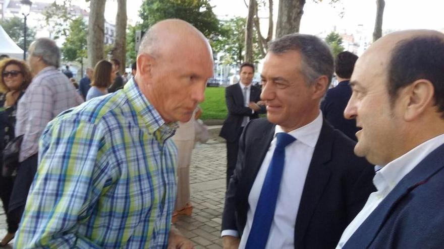 Ibarretxe, en campaña electoral con Urkullu y el lider del PNV, Andoni Ortuzar.