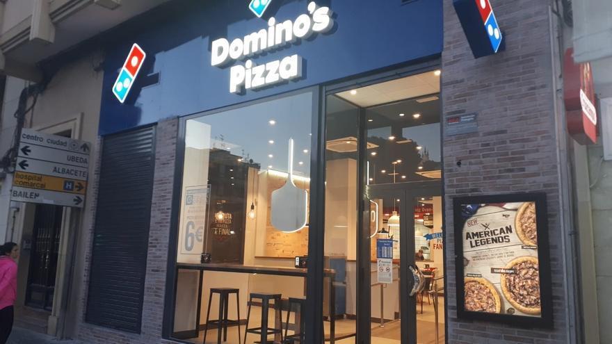 Imagen de archivo de un establecimiento de Domino's Pizza.