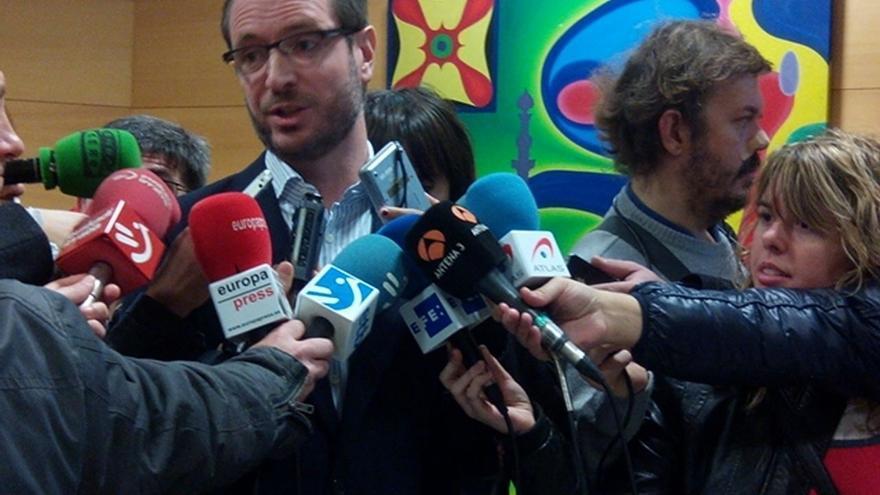 """Maroto dice que no quiere criminalizar a inmigrantes y que el Gobierno vasco ha """"ratificado"""" sus denuncias de fraude"""