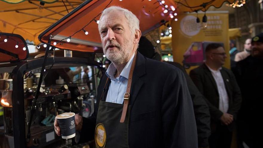 Corbyn dice que los laboristas están preparados para gobernar en 2018