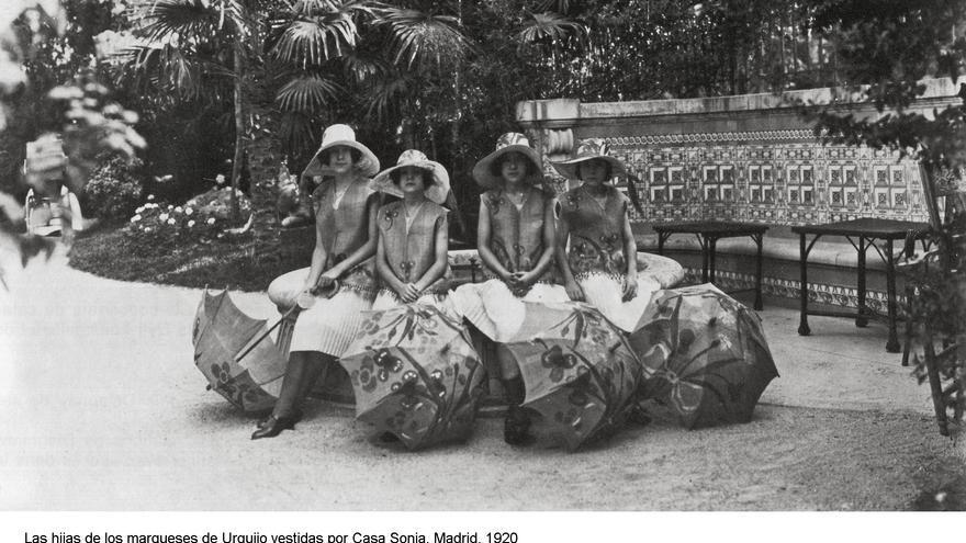 Las hijas de los marqueses de Urquijo vestidas por Casa Sonia (1920)