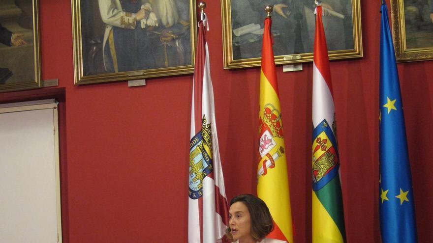 """Alcaldesa de Logroño ve campaña de """"acoso"""" contra ediles catalanes que recuerda a lo que ocurría """"en el País Vasco"""""""