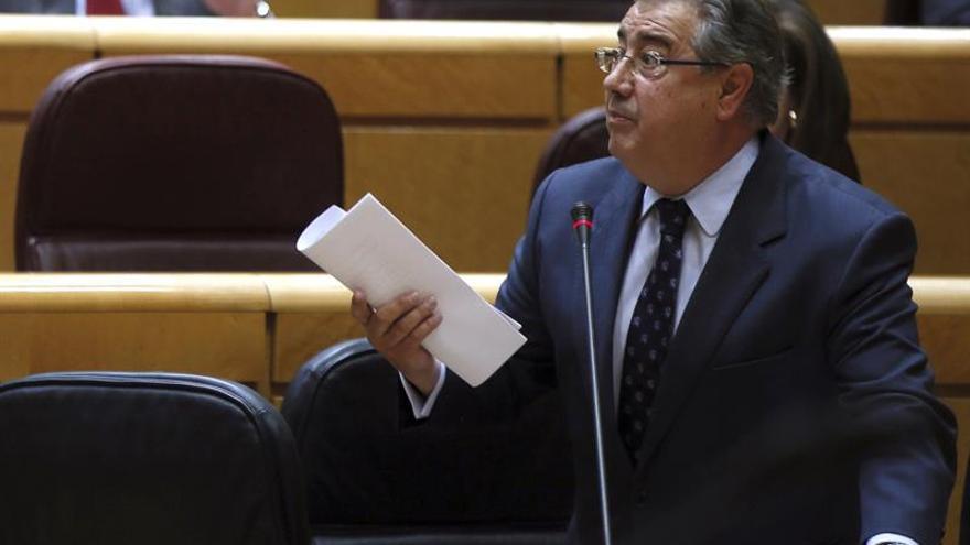 PSOE y Ciudadanos piden que Zoido hable mañana en el Senado del Caso Lezo