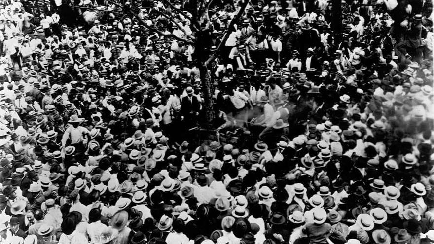 La multitud de Waco, congregada antes del linchamiento de Jesse Washington en 1916.