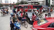 Los estudiantes de Bangladesh continuan con sus protestas por la seguridad vial