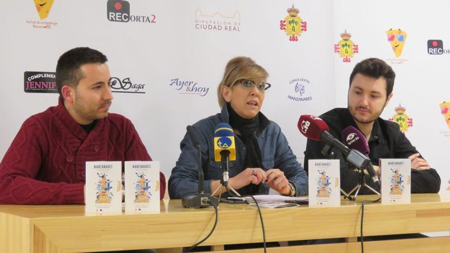 Co-directores de ManzanaREC junto a la concejala de Cultura de Manzanares