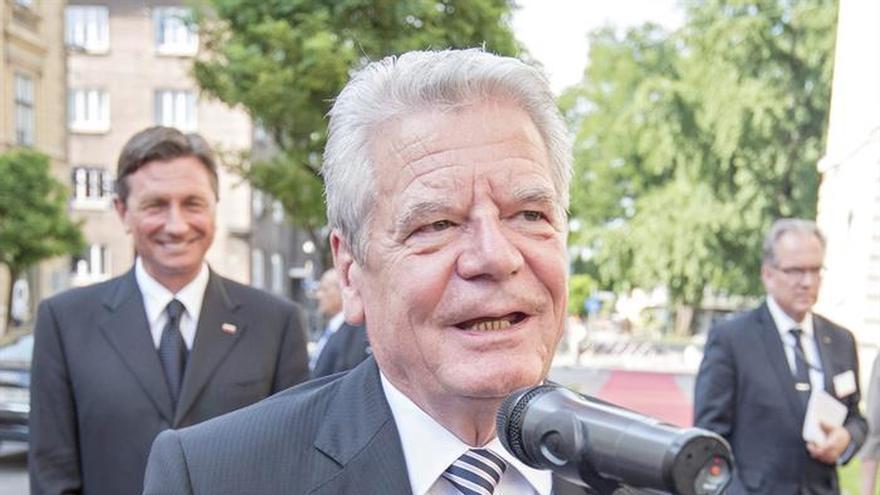 El presidente alemán dice que Wiesel no será olvidado nunca
