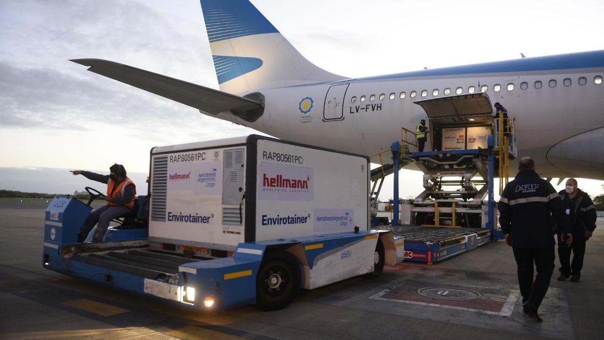 Aerolíneas Argentinas ya concretó 18 vuelos destinados al transporte de vacunas.