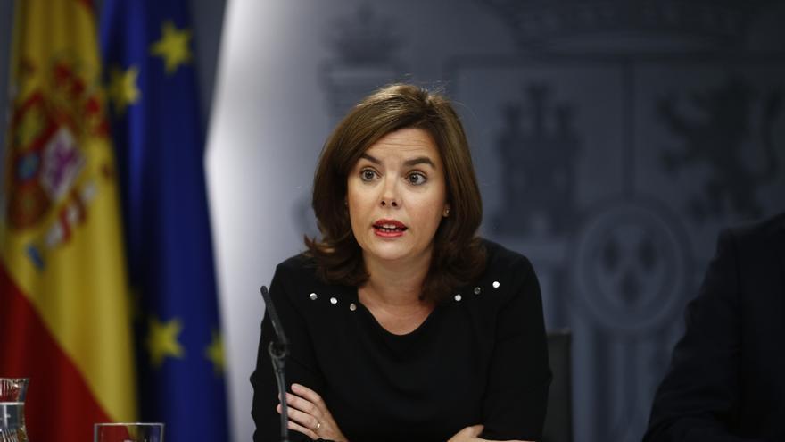 """Santamaría no aclara si es partidaria del debate Margallo-Junqueras aunque admite que será """"interesante"""" verlo"""