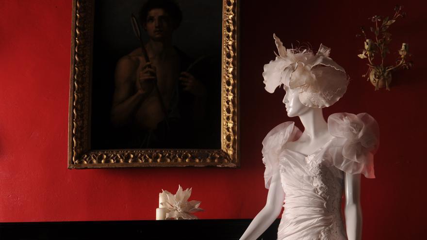 Uno de los muchos vestidos de novia que se expondrán a lo largo del palacio.