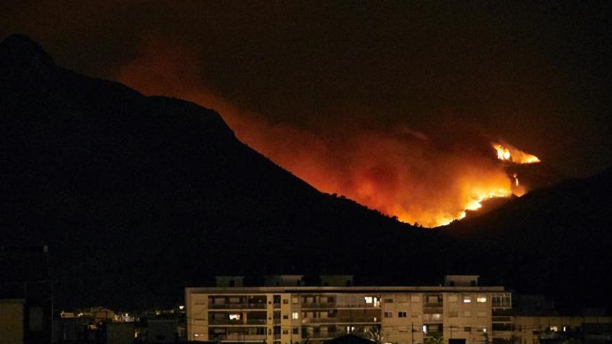 Gandía pedirá la declaración de zona de emergencia por el incendio de Llutxent