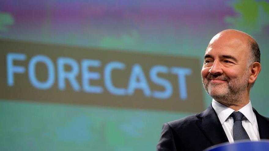 Moscovici se reúne mañana en Lisboa con el ministro de Finanzas portugués
