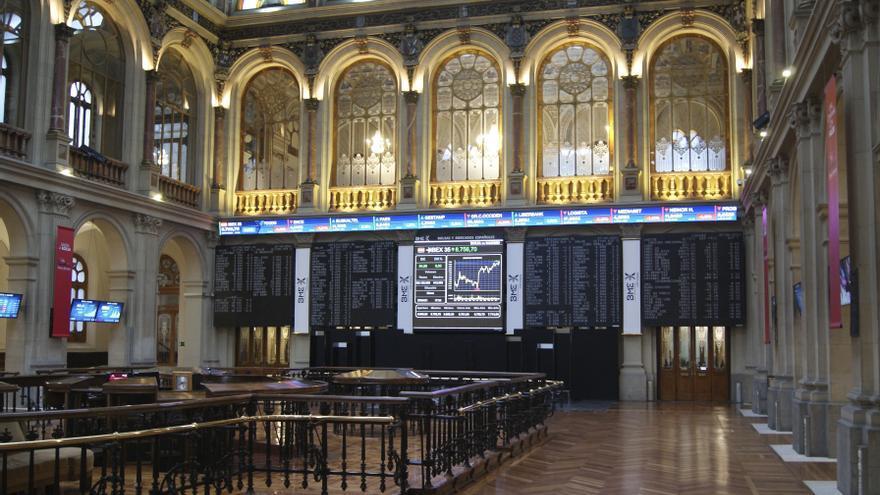 La Bolsa española sube este mediodía 0,61 % y supera los 8.850 puntos