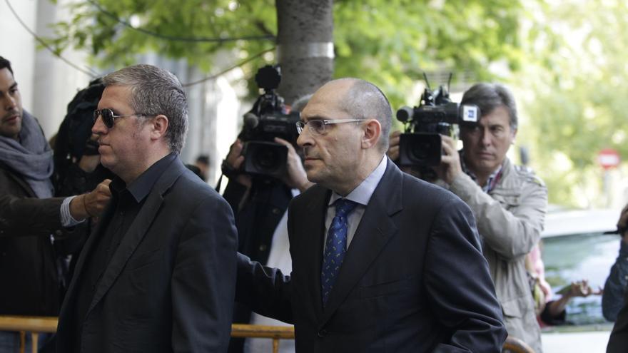 Un juez del tribunal pide la absolución de Elpidio Silva y compara el caso de Blesa con la fuga de Roldán