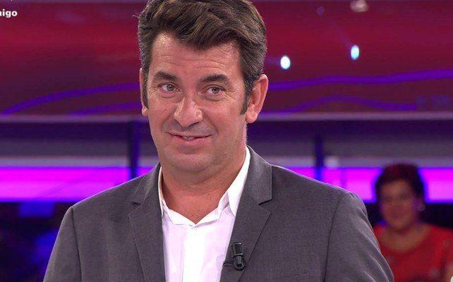 Inquietante foto de Valls con una pierna 'amputada': 'El proyecto quedó en el tintero'