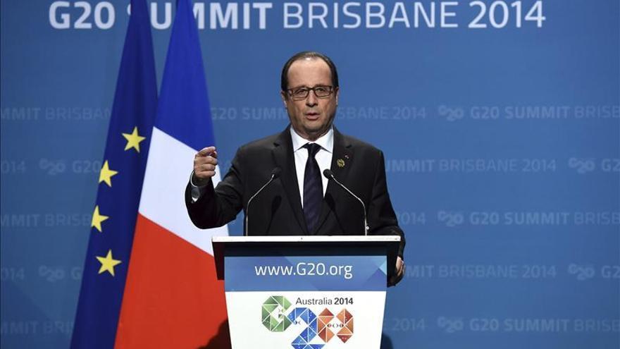 Hollande viajará a Guinea para apoyar la lucha contra el ébola