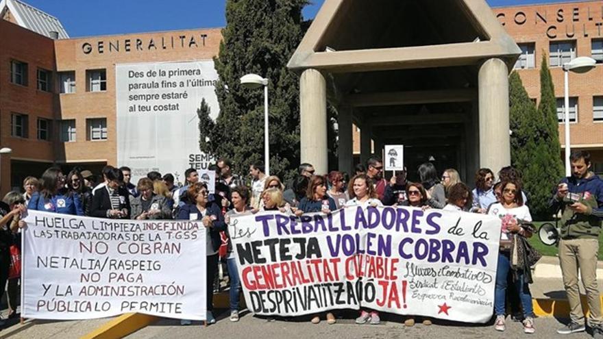 Huelga de limpieza en los centros educativos valencianos