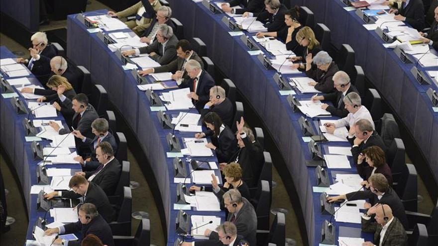 El PE tensa la cuerda de cara a las negociaciones sobre las quiebras de los bancos