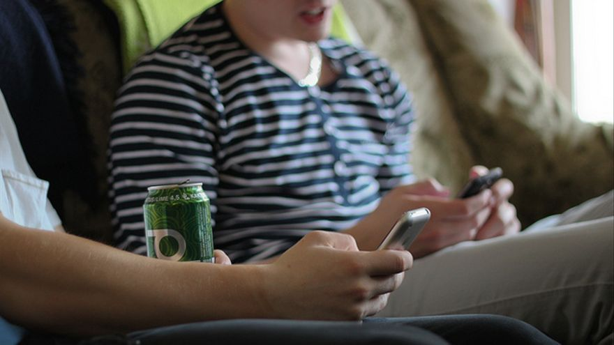 Con la tarjeta SIM libre, tenemos libertad para elegir la operadora (Foto: Denis Dervisevic | Flickr)