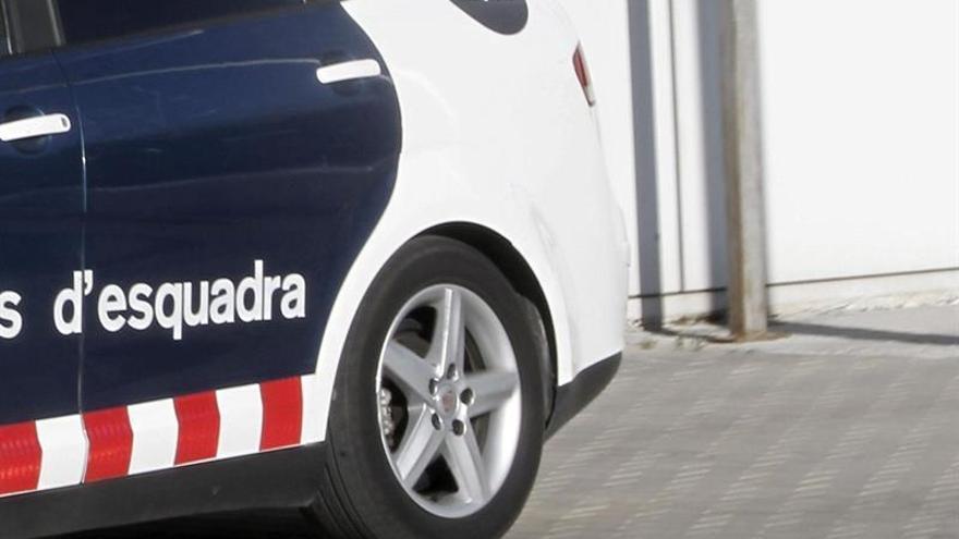 Muere un hombre por herida de arma blanca frente a una discoteca de Barcelona