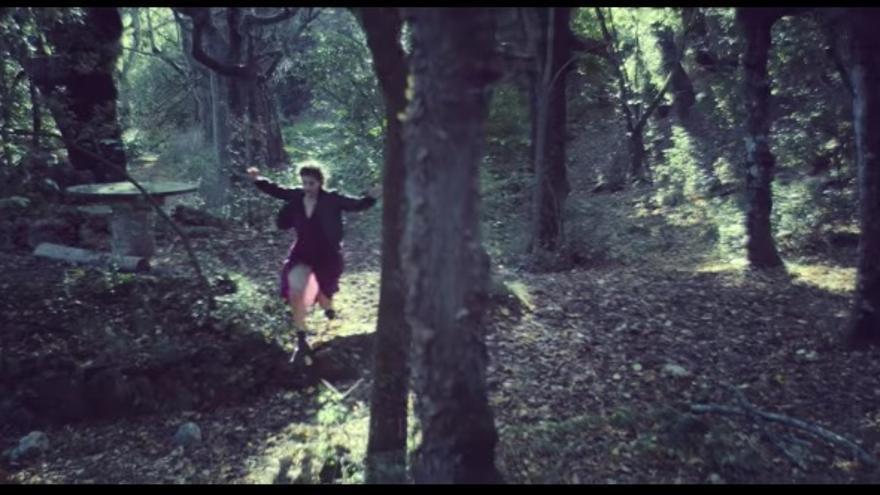 Videoclip de 45 cerebros y 1 corazón, de Maria Arnal i Marcel Bagés